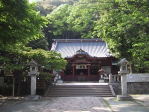 伊豆山神社正面から